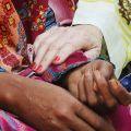 Comme des sœurs - La référante de notre projet au Pakistan est Lesley Leighton, une missionnaire laïque venant de Nouvelle-Zélande, qui a fait du rêve de Shahbaz son propre rêve.